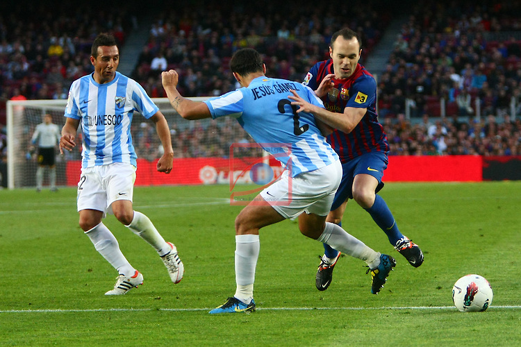 Gamez vs Iniesta. FC Barcelona vs Malaga CF: 4-1 - League BBVA 2011/12 - Game: 20.