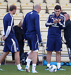 Robert Snodgrass with his fingers in a splint