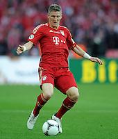 FUSSBALL      DFB POKAL FINALE       SAISON 2011/2012 Borussia Dortmund - FC Bayern Muenchen   12.05.2012 Bastian Schweinsteiger (FC Bayern Muenchen) Einzelaktion am Ball