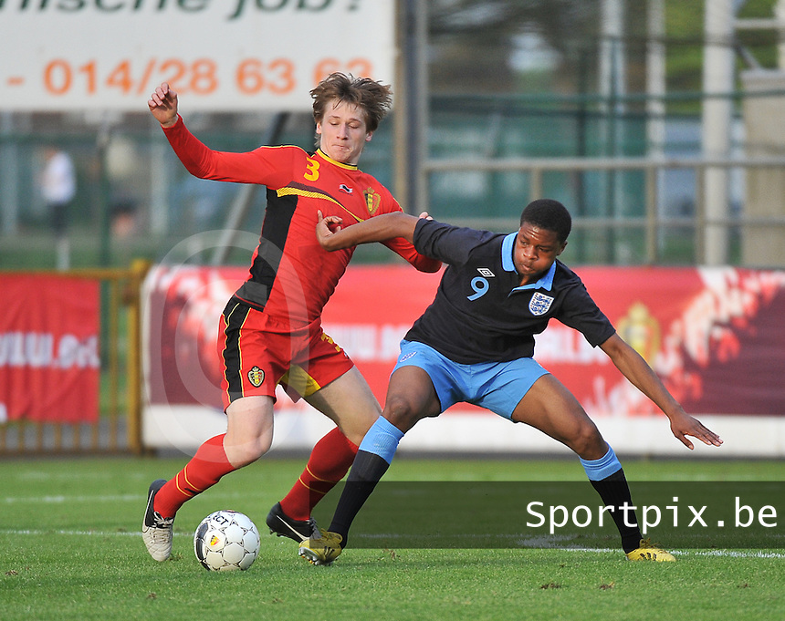 Belgium U19 - England U19 : Gilles Ruyssen (3) and Chuba Akpom (9).foto DAVID CATRY / Nikonpro.be