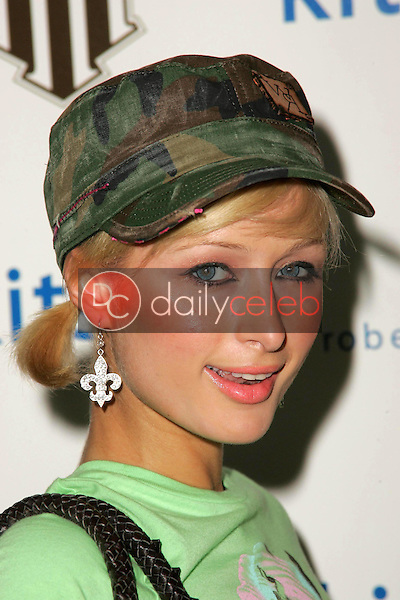 Paris Hilton<br />at the William Rast Collection debut. Kitson, Los Angeles, CA. 11-10-05<br />Dave Edwards/DailyCeleb.com 818-249-4998