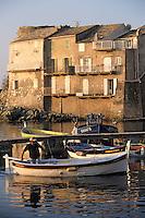 Europe/France/Corse/2B/Haute-Corse/Cap Corse/Erbalunga: Le port - Départ pour la pêche