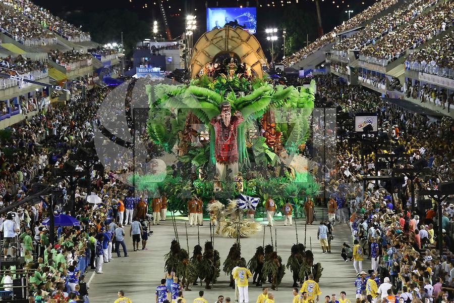 RIO DE JANEIRO, RJ, 17.02.2015 - CARNAVAL 2015 - RIO DE JANEIRO - GRUPO ESPECIAL / BEIJA-FLOR - Carro abre-alas da escola de samba Beija-Flor de Nilópolis durante desfile do grupo especial do Carnaval do Rio de Janeiro, na madrugada desta terça-feira, 17. (Foto: Gustavo Serebrenick / Brazil Photo Press)