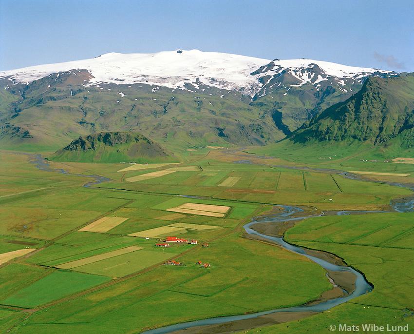 Önundarhorn og Rauðsbakki séð til norðurs, Eyjafjallajökull, Rangárþing eystra áður Austur-Eyjafjallahreppur / Onundarhorn and Raudsbakki viewing north towards Eyjafjallajokull. Rangarthing eystra former Austur-Eyjafjallahreppur.