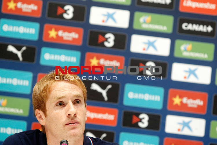 Espanyol's new player Alex Fernandez during his official presentation. August 29, 2013. Foto © nph / Acero)