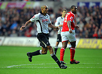 ATTENTION SPORTS PICTURE DESK<br /> Pictured: Darren Pratley of Swansea City in action<br /> Re: Coca Cola Championship, Swansea City Football Club v Nottingham Forest at the Liberty Stadium, Swansea, south Wales. Saturday 12 December 2009