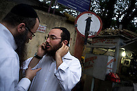 Rabbis from Israel who have come to collect the body parts of Jews killed at Nariman House, home to the Hasidic Jewish group Chabad-Lubavitch, one of the targets of the multiple terrorist attacks launched in Mumbai on 26/11/2008..
