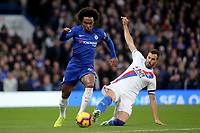 Willian of Chelsea takes the ball past Crystal Palace's Luka Milvojevic during Chelsea vs Crystal Palace, Premier League Football at Stamford Bridge on 4th November 2018