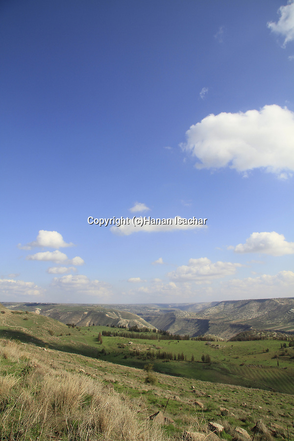 Golan Heights, the road to Ein Aya