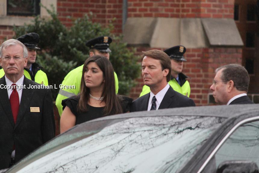 Elizabeth Edwards Funeral Service John Edwards & <br /> Children Jack,Emma Claire,<br /> Cate. By Jonathan L Green