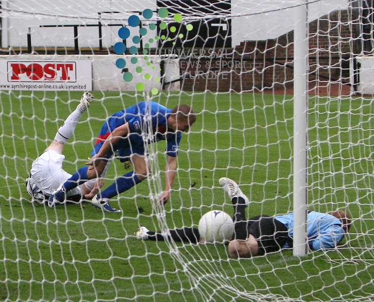 Inverness striker Richie Foran makes it five goal for Cally during the Irn-Bru First Division match between Ayr Utd and Inverness CT at Somerset Park 24/10/09..Picture by Ricky Rae/universal News & Sport (Scotland).