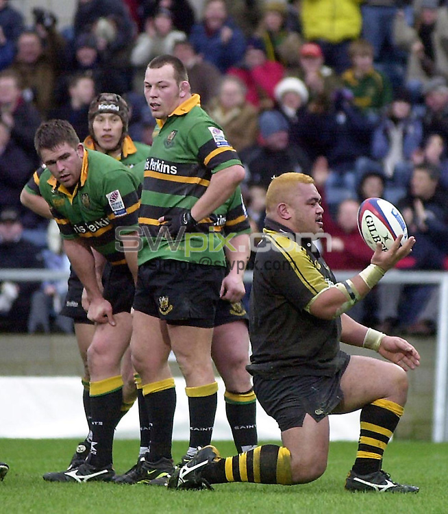 Pix: Matthew Lewis/SWpix.com. Rugby Union. Zurich premiership. London Wasps v Northampton Saints. 2/02/2003...COPYRIGHT PICTURE>>SIMON WILKINSON>>01943 436649>>..Northampton look on as Wasps' Trevor Leota celebrates his try.