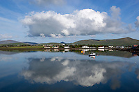 Ireland, County Kerry, The Dingle Peninsula, Dingle: view across Dingle Bay | Irland, County Kerry, Dingle Halbinsel, Blick ueber Dingle Bay