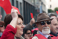 'Riprendiamoci il campo' manifestazione per ottenere le dimissioni di Berlusconi. Milano, 12 novembre 2011...'Take back the field' demonstration to reclame the resignation of Berlusconi. Milan, November 12, 2011.