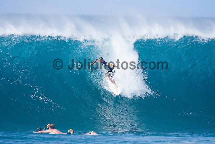 SHAUN TOMSON (SOUTH AFRICA) surfing Backdoor ,  North Shore,Oahu, Hawaii 2006. Photo: joliphotos.com