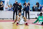 ****BETALBILD**** <br /> Uppsala 2015-04-24 Basket SM-Final 3 Uppsala Basket - S&ouml;dert&auml;lje Kings :  <br /> S&ouml;dert&auml;lje Kings John Roberson deppar efter matchen mellan Uppsala Basket och S&ouml;dert&auml;lje Kings <br /> (Foto: Kenta J&ouml;nsson) Nyckelord:  Basket Basketligan SM SM-final Final Fyrishov Uppsala S&ouml;dert&auml;lje Kings SBBK depp besviken besvikelse sorg ledsen deppig nedst&auml;md uppgiven sad disappointment disappointed dejected