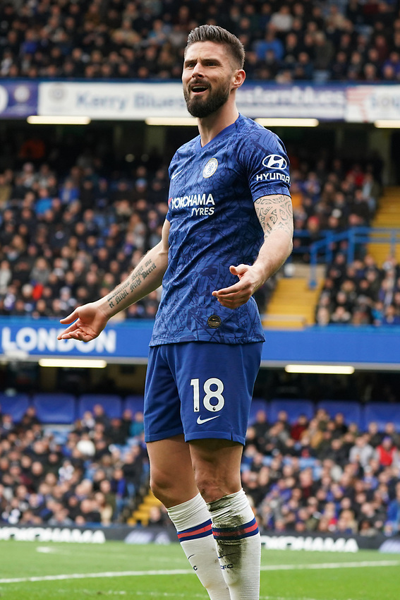 Chelsea's Olivier Giroud questions referee Kevin Friend<br /> <br /> Photographer Stephanie Meek/CameraSport<br /> <br /> The Premier League - Chelsea v Everton - Sunday 8th March 2020 - Stamford Bridge - London<br /> <br /> World Copyright © 2020 CameraSport. All rights reserved. 43 Linden Ave. Countesthorpe. Leicester. England. LE8 5PG - Tel: +44 (0) 116 277 4147 - admin@camerasport.com - www.camerasport.com