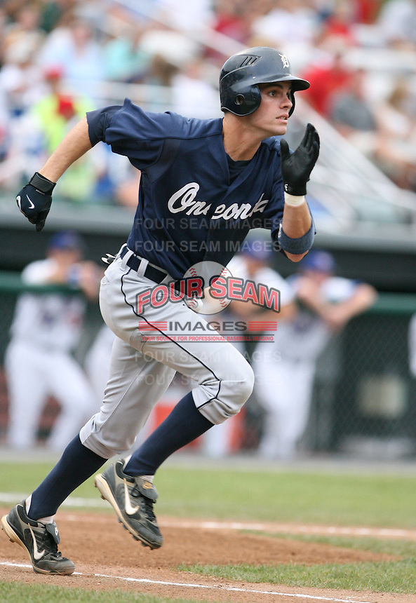 2007:  Justin Henry of the Oneonta Tigers, Class-A affiliate of the Detroit Tigers, during the New York-Penn League baseball season.  Photo by Mike Janes/Four Seam Images