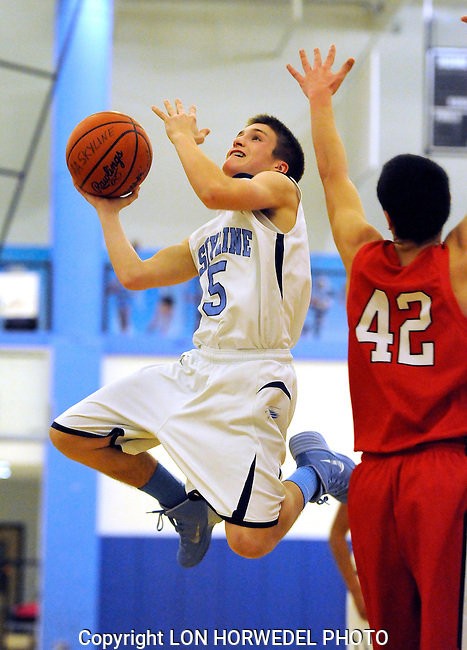 Skyline High School boy's junior varsity basketball in action vs. Bedford High School, Tuesday, January 21, 2014.
