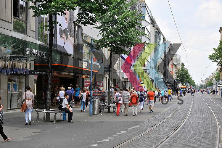 Mannheims Innenstadt beim MLP Marathon 08.06.2013.<br /> <br /> Foto &copy; Rhein-Neckar-Picture *** Foto ist honorarpflichtig! *** Auf Anfrage in hoeherer Qualitaet/Aufloesung. Belegexemplar erbeten. Veroeffentlichung ausschliesslich f&uuml;r journalistisch-publizistische Zwecke.