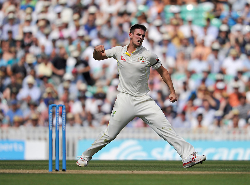 Australia's Mitchell Marsh celebrates taking the wicket of England's Ian Bell caught Michael Clarke for 13<br /> <br /> Photographer Ashley Western/CameraSport<br /> <br /> International Cricket - Investec Ashes Test Series 2015 - Fifth Test - England v Australia - Day 3 - Saturday 22nd August 2015 - Kennington Oval - London<br /> <br /> &copy; CameraSport - 43 Linden Ave. Countesthorpe. Leicester. England. LE8 5PG - Tel: +44 (0) 116 277 4147 - admin@camerasport.com - www.camerasport.com