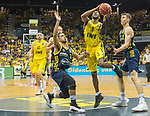 "02.06.2019, EWE Arena, Oldenburg, GER, easy Credit-BBL, Playoffs, HF Spiel 1, EWE Baskets Oldenburg vs ALBA Berlin, im Bild<br /> William""Will"" CUMMINGS (EWE Baskets Oldenburg #3 ) Peyton SIVA (ALBA Berlin #3 ) Franz WAGNER (ALBA Berlin #22 )<br /> <br /> Foto © nordphoto / Rojahn"