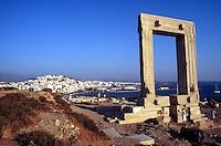 - Naxos island (Cyclades), the Apollo's temple in the chief town Chora..- isola di Naxos (Cicladi),  il tempio di Apollo nel capoluogo Chora.