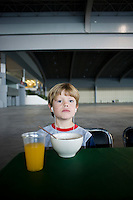 Felix eating breakfast during the filming of Sterens comercial.  Expo Bancomer, Mexico DF.