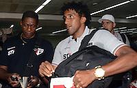 SAO PAULO, SP, 15 MARCO 2013 -   Cortez no desembarquer da equipe do  Sao Paulo após partida contra o Arsenal da Argentina valida pela taca Libertadores da America, no aeroporto de Cumbica , em Guarulhos. nesta sexta feira 15. (FOTO: ALAN MORICI / BRAZIL PHOTO PRESS).