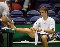 20-2-07,Tennis,Netherlands,Rotterdam,ABNAMROWTT, Florian Mayer receives treatment on his toe
