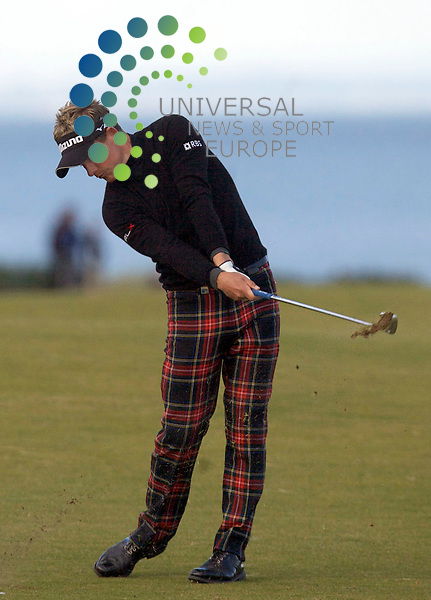The Alfred Dunhill Golf Championship 2009 at The Old Course, St Andrews, Kingsbarns and Carnoustie.. . Overnight leader Luke Donald at 18  during the Gale-Force Delayed Third  Round of the Alfred Dunhill Golf Championship...Picture by Mark Davison/ Universal News & Sport
