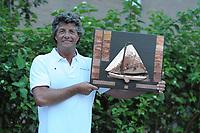 ZEILSPORT: WOUDSEND: 14-08-2017, SKS Skûtsjesilen, traditionele prijsuitreiking, winnaar Douwe Jzn. Visser Sneek, ©foto Martin de Jong