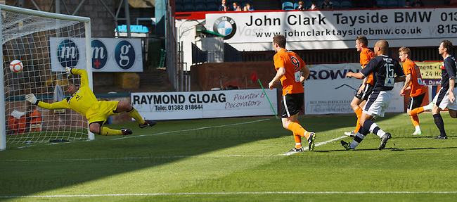 Jon Daly lashes in his second goal of the match for Dundee Utd