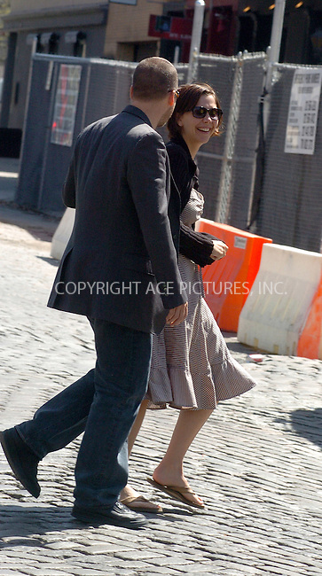 WWW.ACEPIXS.COM . . . . .***EXCLUSIVE!!! FEE MUST BE NEGOTIATED BEFORE USE!!!***....NEW YORK, APRIL 21, 2005....Maggie Gyllenhaal and beau Peter Saarsgard shop for furniture in the West Village.....Please byline: Philip Vaughan -- ACE PICTURES.... *** ***..Ace Pictures, Inc:  ..Craig Ashby (212) 243-8787..e-mail: picturedesk@acepixs.com..web: http://www.acepixs.com