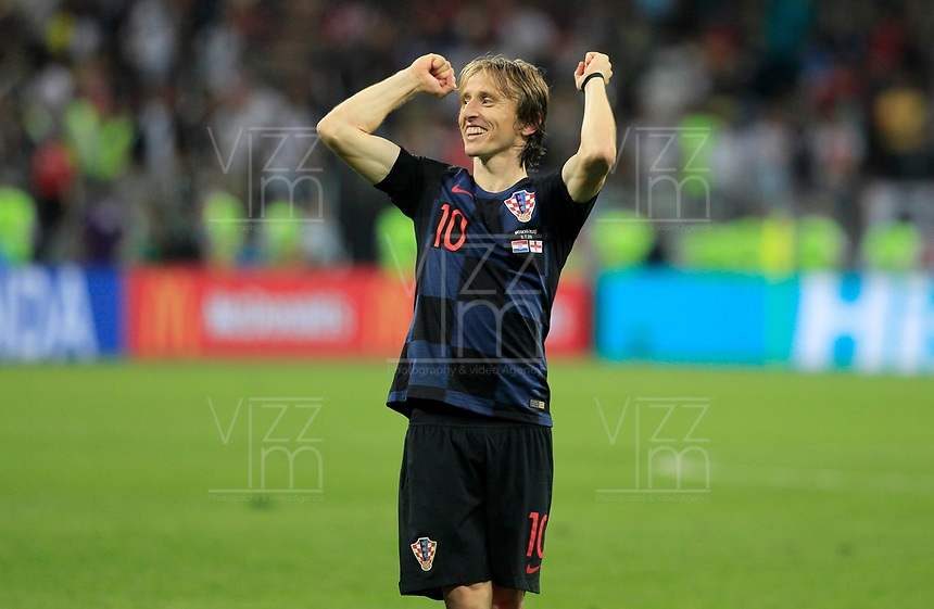MOSCU - RUSIA, 11-07-2018: Luka MODRIC (C) jugador de Croacia celebra el paso a la final de su equipo después del partido de Semifinales entre Croacia y Inglaterra por la Copa Mundial de la FIFA Rusia 2018 jugado en el estadio Luzhnikí en Moscú, Rusia. / Luka MODRIC (C) player of Croatia celebrates the pass of his team to the final after the match between Croatia and England of Semi-finals for the FIFA World Cup Russia 2018 played at Luzhniki Stadium in Moscow, Russia. Photo: VizzorImage / Julian Medina / Cont