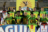 NEIVA - COLOMBIA, 19-05-2018: Jugadores del Huila posan para una foto previo al partido de vuelta entre Atlético Huila y Patriotas F.C. por los cuartos de final de la Liga Águila I 2018 jugado en el estadio Guillermo Plazas Alcid de la ciudad de Neiva. / Players of Huila pose to a photo prior the second leg match between Atletico Huila and Patriotas F.C. for the quarterfinals of the Aguila League I 2018 played at Guillermo Plazas Alcid in Neiva city. VizzorImage / Sergio Reyes / Cont
