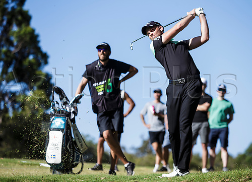 8th February 2018, Lake Karrinyup Country Club, Karrinyup, Australia; ISPS HANDA World Super 6 Perth, first round; Danny Willett (ENG) takes a shot from amongst the crowd