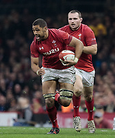 Wales' Taulupe Faletau makes a break<br /> <br /> Photographer Simon King/CameraSport<br /> <br /> International Rugby Union - 2017 Under Armour Series Autumn Internationals - Wales v Australia - Saturday 11th November 2017 - Principality Stadium - Cardiff<br /> <br /> World Copyright &copy; 2017 CameraSport. All rights reserved. 43 Linden Ave. Countesthorpe. Leicester. England. LE8 5PG - Tel: +44 (0) 116 277 4147 - admin@camerasport.com - www.camerasport.com