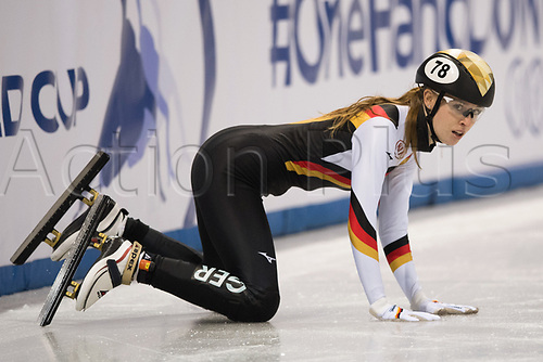 1st February 2019, Dresden, Saxony, Germany; World Short Track Speed Skating; 1000 meters women in the EnergieVerbund Arena. Gina Jacobs from Germany kneels after a falling in the heat
