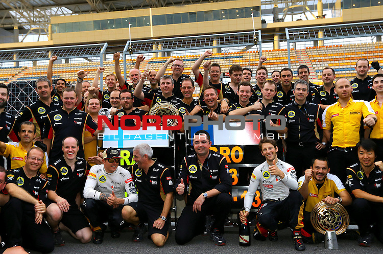 Kimi Raikkonen (FIN), Lotus Renault F1 Team - Eric Boullier (FRA), Team Chef Renault F1 Team - Romain Grosjean (FRA) Lotus Renault F1 Team <br /> for Austria &amp; Germany Media usage only!<br />  Foto &copy; nph / Mathis
