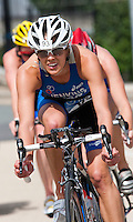 02 AUG 2009 - LONDON, GBR - Helen Jenkins - London Triathlon (PHOTO (C) NIGEL FARROW)