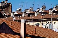 milano, tetti al quartiere chinatown --- milan, roofs in chinatown district
