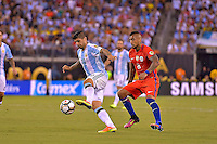 Action photo duringthe match Argentina vs Chile corresponding to the Final of America Cup Centenary 2016, at MetLife Stadium.<br /> <br /> Foto durante al partido Argentina vs Chile cprresponidente a la Final de la Copa America Centenario USA 2016 en el Estadio MetLife , en la foto:(i-d) Ever Banega de Argentina y Arturo Vidal de Chile<br /> <br /> <br /> 26/06/2016/MEXSPORT/ISAAC ORTIZ