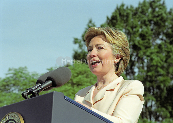 First lady Hillary Rodham Clinton makes remarks as she and United States President Bill Clinton participate in the Million Mom March showing their support for stronger gun laws in the U.S. on the South Lawn of the White House in Washington, D.C. on May 14, 2000. <br /> Credit: Ron Sachs / CNP/MediaPunch