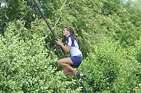 FIERLJEPPEN: WINSUM: 10-08-2013, Fries kampioenschap Fierljeppen, Klaske Nauta, ©foto Martin de Jong