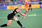 The Hague, Netherlands, June 05: ?n32+ passes the ball during the field hockey group match (Women - Group A) between New Zealand and The Netherlands on June 5, 2014 during the World Cup 2014 at Kyocera Stadium in The Hague, Netherlands. Final score 0-2 (0-2) (Photo by Dirk Markgraf / www.265-images.com) *** Local caption ***
