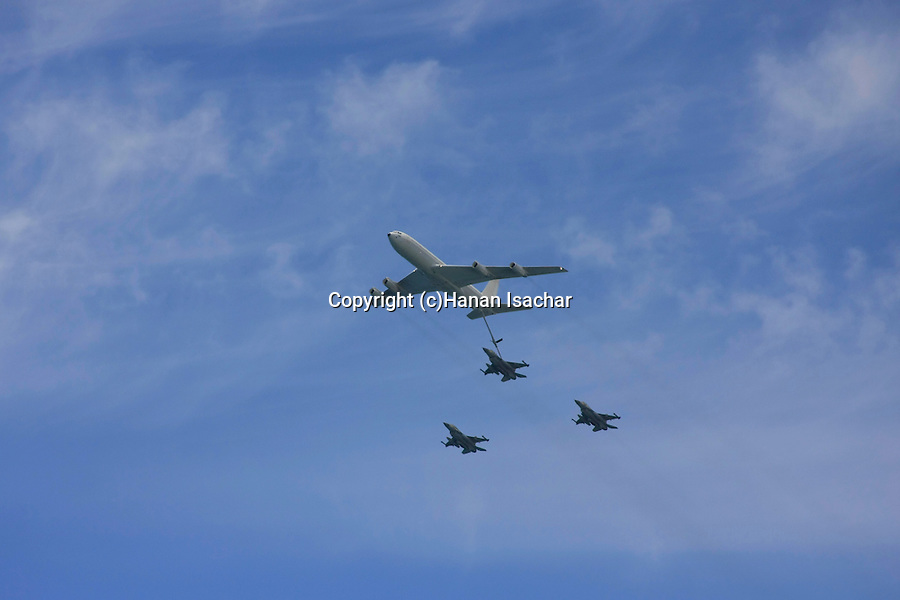 Israel, Tel Aviv-Yafo, the Air Force show on Independence, F-16 jets refueling