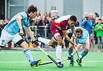 ALMERE - Hockey - Hoofdklasse competitie heren. ALMERE-HGC (0-1) . Daniel de Haan (Almere) met rechts Willem Rath (HGC) en Weigert Schut (HGC) .    COPYRIGHT KOEN SUYK