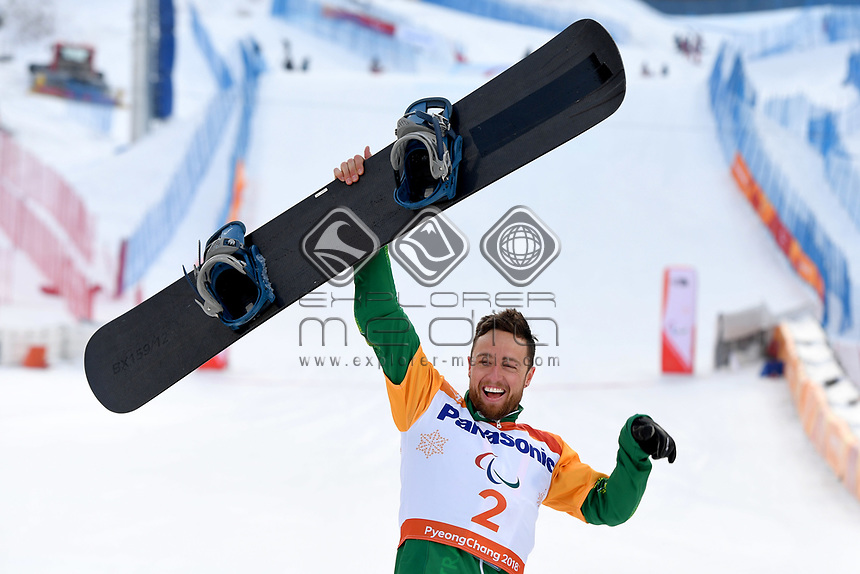 Day 3 / Snowboard Cross - GOLD medalist Simon Patmore (AUS)<br /> PyeongChang 2018 Paralympic Games<br /> Australian Paralympic Committee<br /> PyeongChang South Korea<br /> Monday March 12th 2018<br /> © Sport the library / Jeff Crow