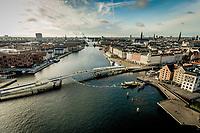 024 190110 Dronebilleder af Den lille  Havfrue, Kastellet, Amager Bakke, Papir&oslash;en, Skuespilhuset, Amalienborg og Inderhavnsbroen.<br /> Foto: Jens Panduro
